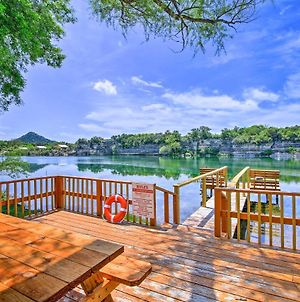 Waterfront Oasis With Dock And Kayaks On Lake Nueces! photos Exterior