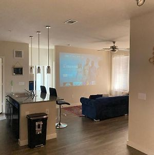 Spacious Two Bedroom 10Mins From Downtown photos Exterior