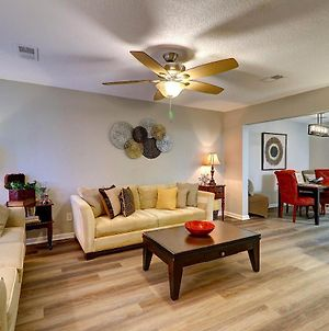 Goodkarma Rentals - Roswell Peaceful - Fully Renovated!! 2Bdr King - Sleeps 6 Convenient Off Ga 400 Exit - 2 Minutes To Alpharetta - Hc photos Exterior