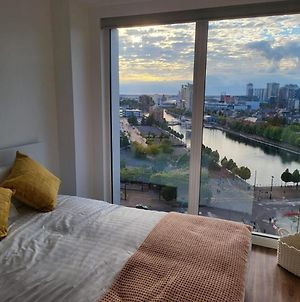 Brand New Luxury 2-Bed Flat With Stunning Views photos Exterior