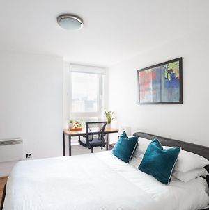 Luxury 2 Bed Ensuite On The River Bank photos Exterior
