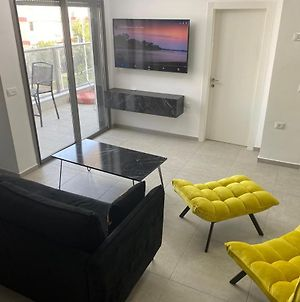 Best New! Luxury Apartment In Holon For 11 People photos Exterior