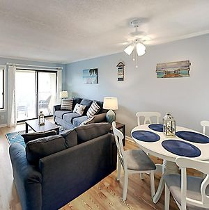Minutes To Beach, Newly Renovated 2Br With 3 Pools Condo photos Exterior