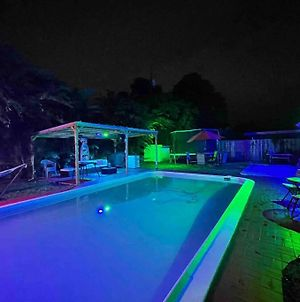 Party-Ready Pool-House With 3 Bedrooms photos Exterior