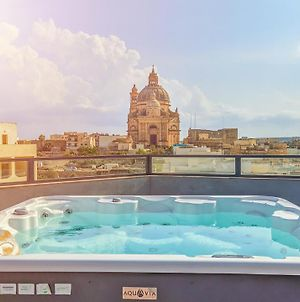 Holiday Hub Gozo - Rooftop Jacuzzi & Pool - 3 Bedrooms photos Exterior