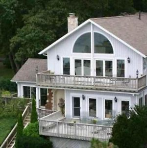 Endless Summer - Large Home With Views Of The Lake, Sleeps 16 Plus Hot Tub photos Exterior
