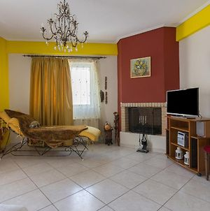 2 Bedroom Apartment In South Athens photos Exterior