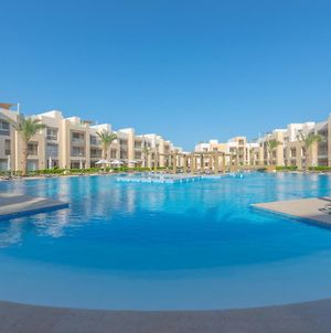 One Bedroom Apartment In Mangroovy Pool & Private Beach photos Exterior