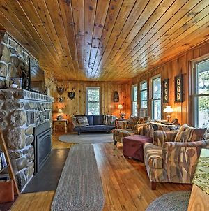 Cozy Lakefront Cabin With Indoor Gas Fireplace! photos Exterior