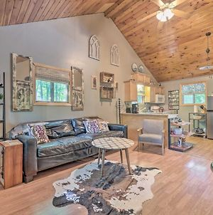 Pet-Friendly Cottage Less Than 1 Mi To State Forest! photos Exterior