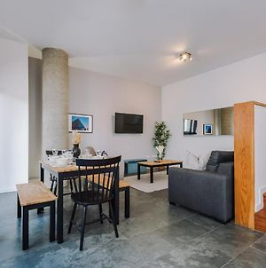 Gorgeous Homely Apt In The Heart Of Lpl - Sleeps 8! photos Exterior
