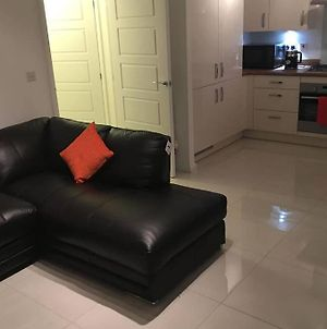 Newly Built, 2Bedroom Apartment With Free Parking photos Exterior