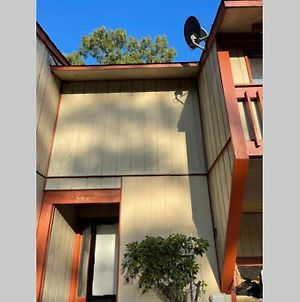 Huge 2Bd 2Ba Townhouse W/ Jacuzzi And Huge 50 Inch Tv photos Exterior