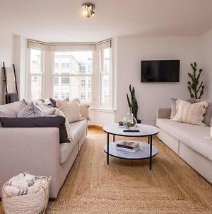 Beautifully Styled, Central Apartment Sleeping 10 photos Exterior