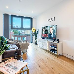 Caliber Stays Apartments & Homes - The Nemesis Suite- Two Bedroom Serviced Apartment - City Centre photos Exterior