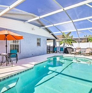 Family Getaway With Pool About 5 Miles To Disney! photos Exterior
