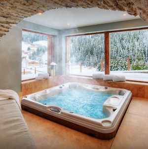 Luxury Chalet Sleeps 15 For Perfect Mountain Holiday With Sauna Hot Tub & Ensuite Bedrooms photos Exterior