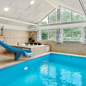 Six-Bedroom Holiday Home In Dronningmolle photos Exterior