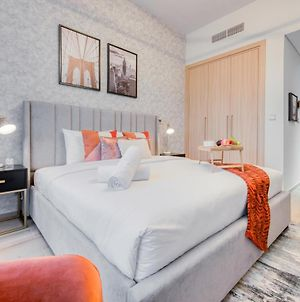 Charming Studio At Azizi Aura Residences Downtown Jebel Ali By Deluxe Holiday Homes photos Exterior