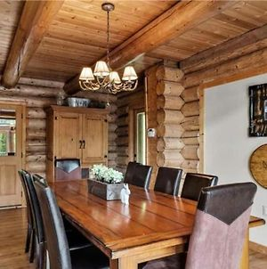 Luxury Log 7Bed/6.5Bath Cabin: Theater, Game Room, 7 Acres! photos Exterior