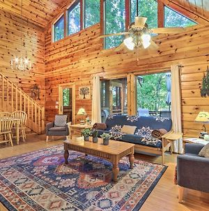 Tranquil Sevierville Cabin With Private Hot Tub photos Exterior