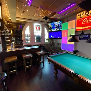 Pool Table/Bar/Conference Room/W Balcony Loft In The Heart Of Omaha'S Old Market photos Exterior
