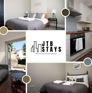 3 Bedroom House By Jtb Stays Short Lets & Serviced Accommodation Cardiff - Recently Modernised Townhouse With Self Check-In photos Exterior