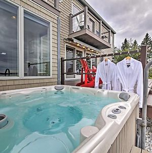 Waterfront Bristol Home Fire Pit And Hot Tub! photos Exterior