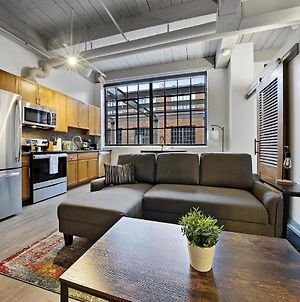 Industrial Loft Apartments In The Beautiful New Superior Building! 214 photos Exterior