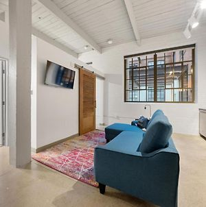 Industrial Loft Apartments In The Beautiful New Superior Building! 101 photos Exterior