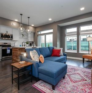 Luxury Condo Minutes From Downtown , Heart Of Ohio City C6 photos Exterior