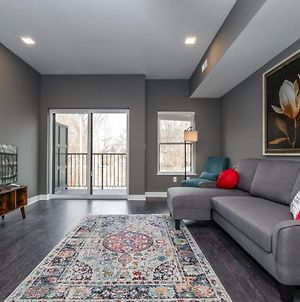 2 Bedroom Luxury Condo Minutes From Downtown F1 photos Exterior