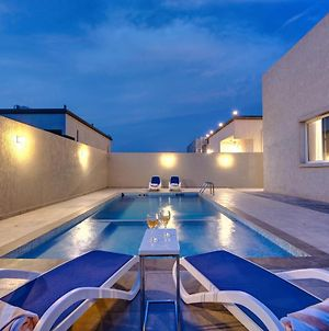 Kay Homes Private Villa With Pool photos Exterior