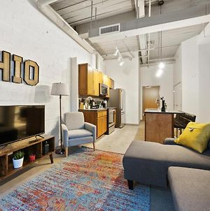 Industrial Loft Apartments In The Beautiful New Superior Building! 105 photos Exterior