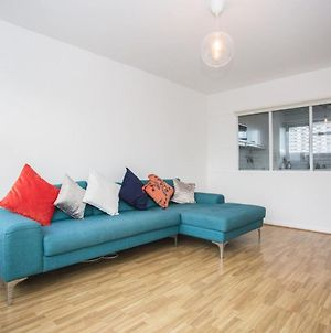1 Bedroom Apartment With Balcony In Angel photos Exterior