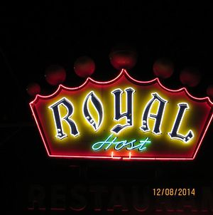 Royal Host Motel photos Exterior