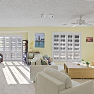 Hidden Gem Blind Pass Beach Penthouse, Multi-Level Upgraded, Perfect For Large Groups photos Exterior