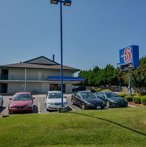 Motel 6 Huntsville - Madison photos Exterior