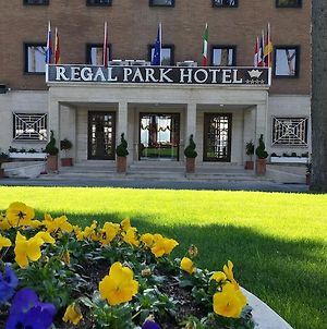 Regal Park Hotel photos Exterior
