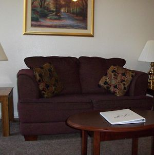 Apollo Park Executive Suites photos Room