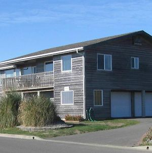 Coquille Point Condo photos Room