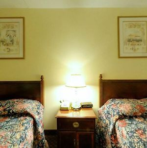 Americas Best Value Inn & Suites - Scottsboro photos Room