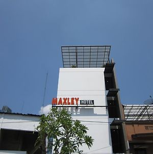 Maxley Pluit photos Exterior
