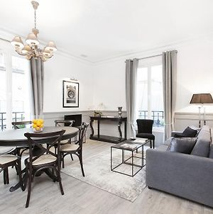 Luxury 2 Bedrooms Grands-Boulevards I By Livinparis photos Room
