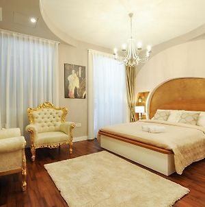 Silver & Gold Luxury Rooms photos Exterior