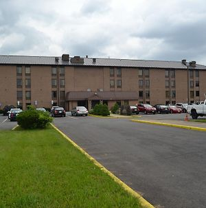 Red Carpet Inn & Suites South Plainfield/Piscataway photos Exterior