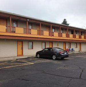Cadet Motor Inn - Coldwater photos Exterior