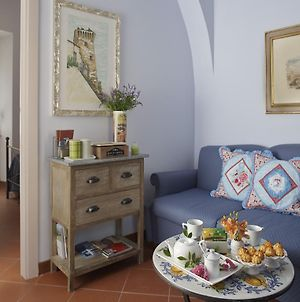 Il Cortile Gallery Apartment photos Room