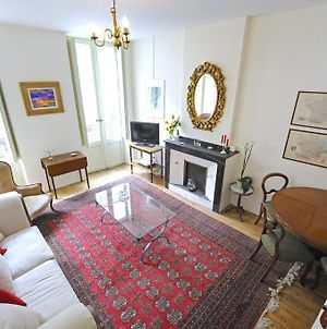 The Apartments, Rue Barbes photos Room