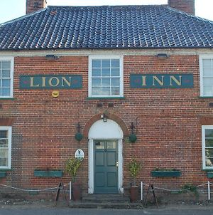 The Theberton Lion photos Exterior